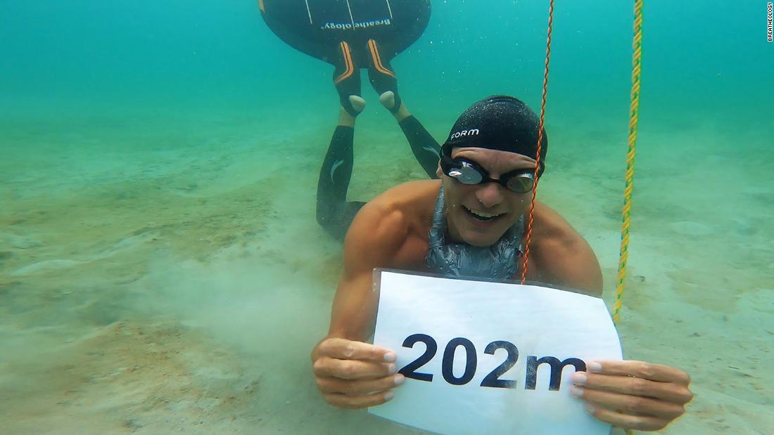 Freediver Stig Severinsen swims 662 feet underwater