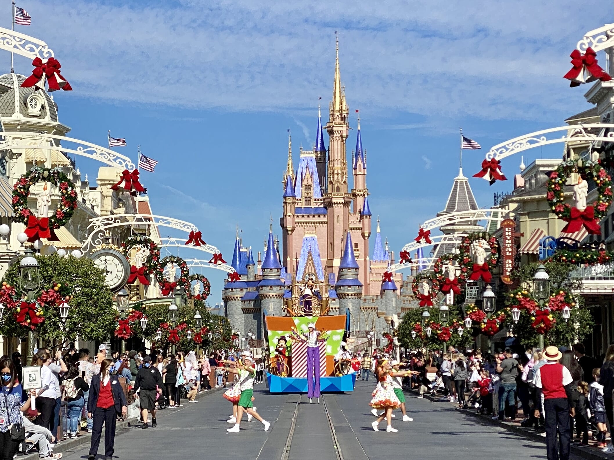 """Fracture: """"Early Theme Park Entry"""" to replace the extra magic hours at Walt Disney World"""