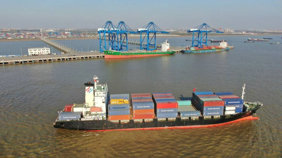 Chinese trade surplus breaks record monthly level
