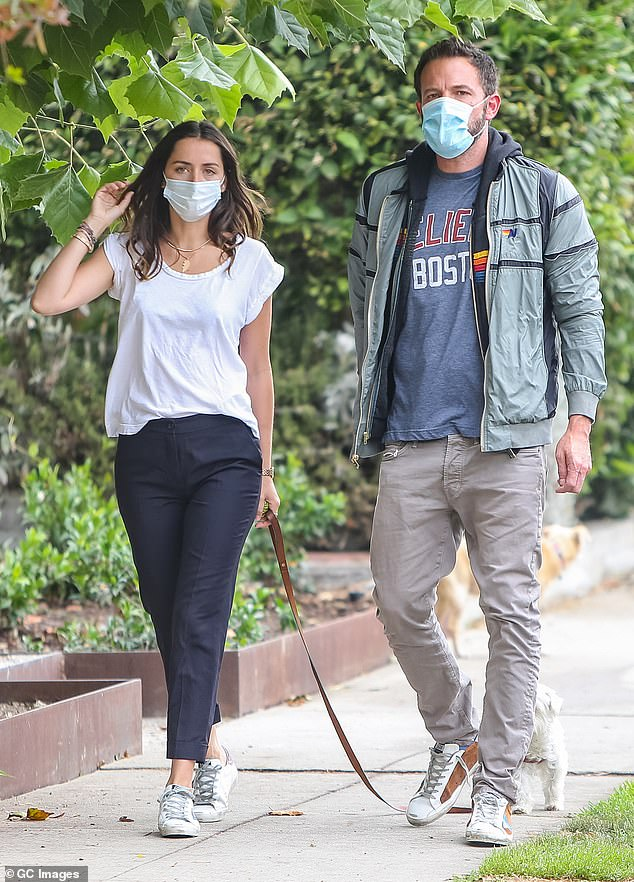 A source told People: 'Ben is no longer dating Anna.'  I cut it off.  Their relationship was complicated.  Anna doesn't want to be from Los Angeles and it's clear Ben has to do that because his kids live in Los Angeles.  The couple was spotted here in July 2020
