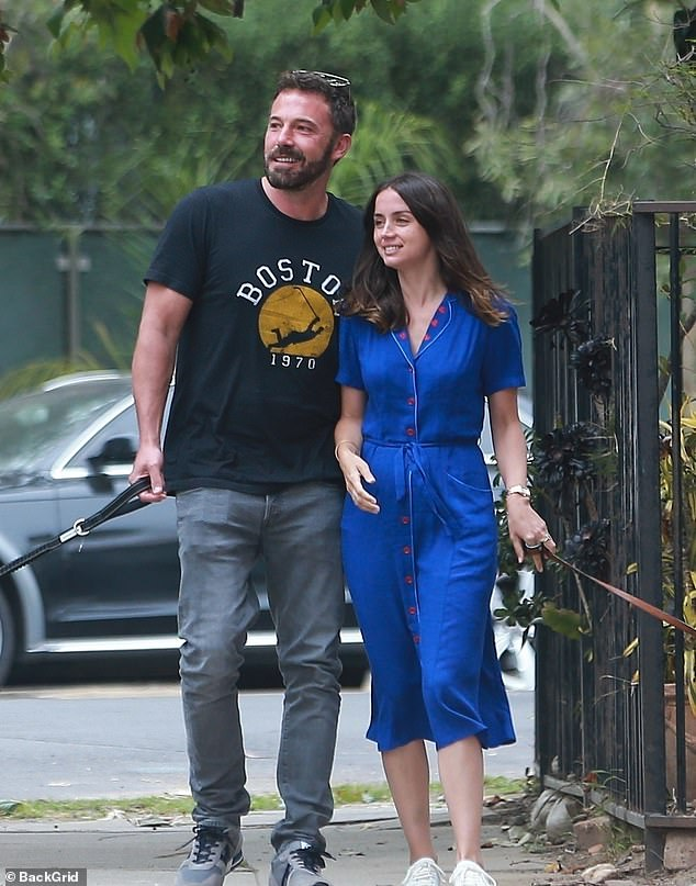 """Ben Affleck and Anna de Armas end their relationship """"mutually"""" after nearly a year together"""