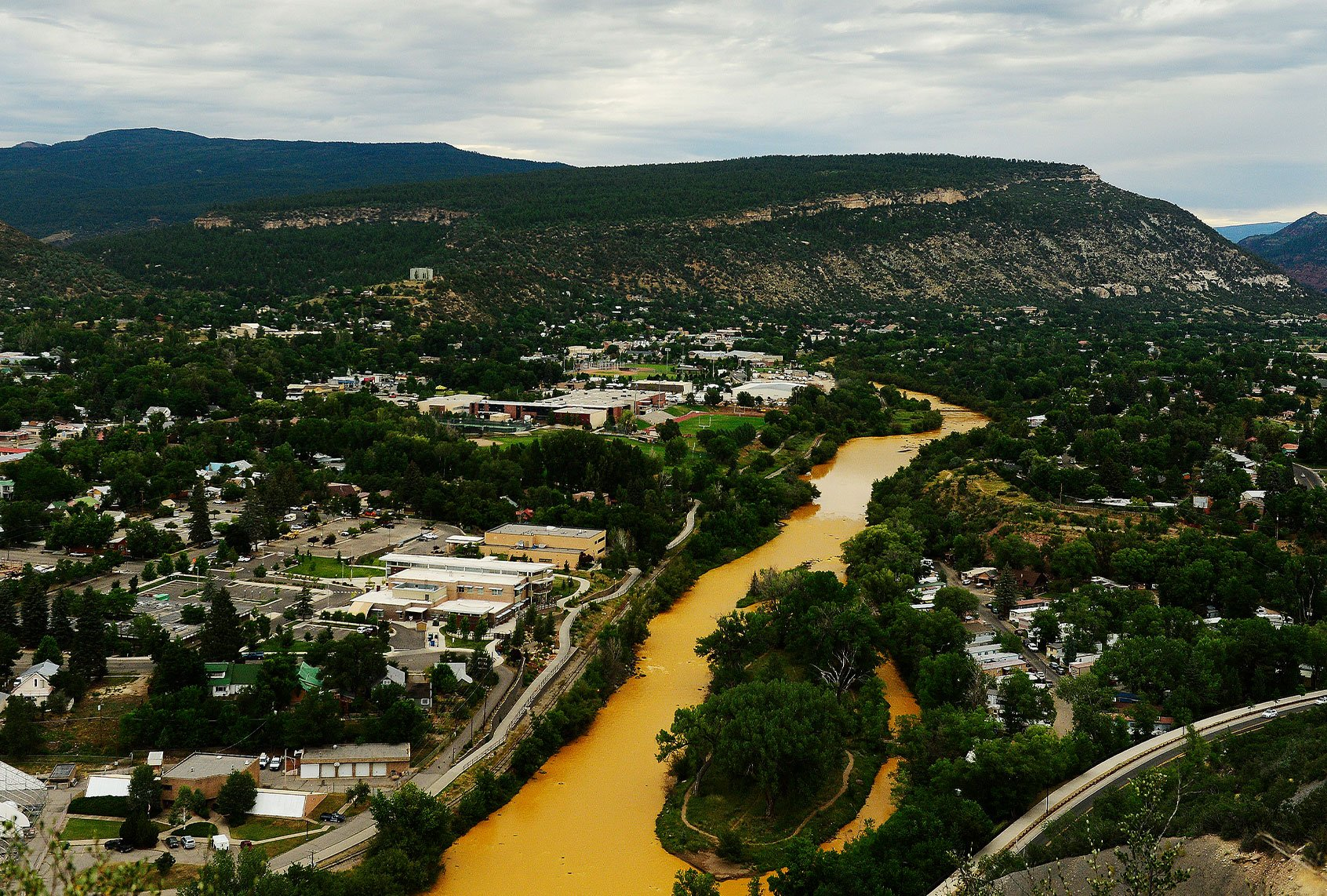 One in three American rivers has changed color since 1984. Here's what that means