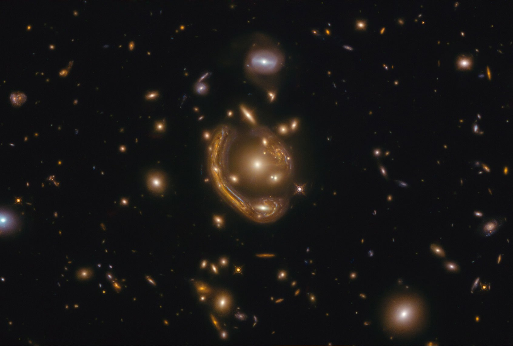 """What was the """"melted ring"""" that Hubble saw?"""